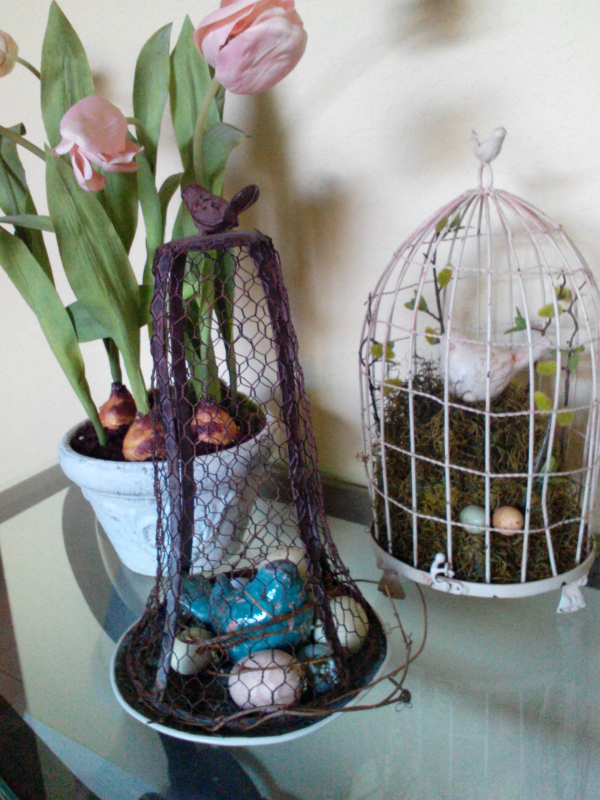 spring birdcage vignette